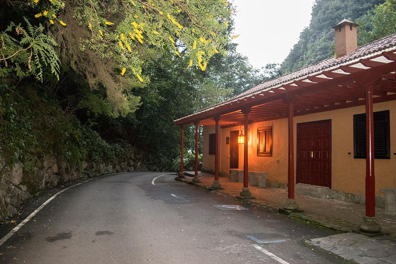 Typische Taxirouten aus dem Norden von La Palma. Von Los Sauces zum Los Tilos Wald zum Trekking · Taxi auf La Palma.